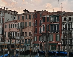 How do I plan a trip to Venice?